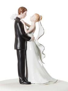 Wedding Cake Toppers – Choosing A Fabulous Topper