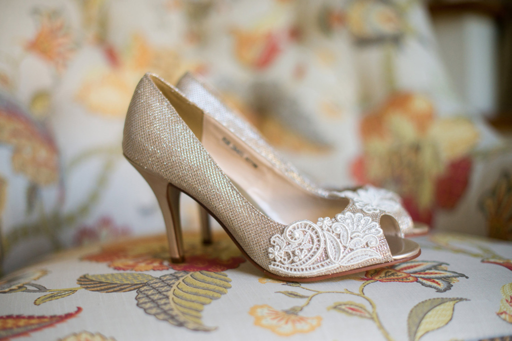 Wedding Shoes – Things to Remember While Purchasing Online