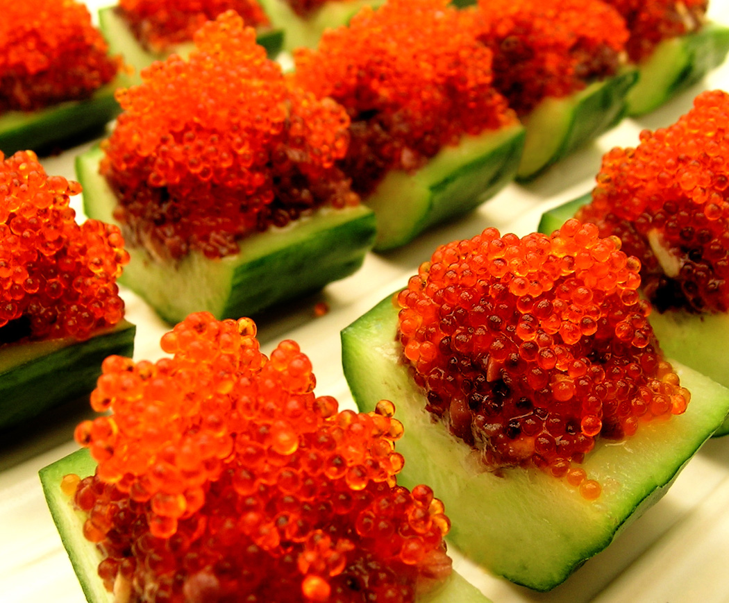 Flying fish eggs tobiko flying fish egg sushi for Fish eggs on sushi